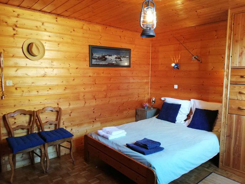 La chambre bleue à Lamure-sur-Azergues