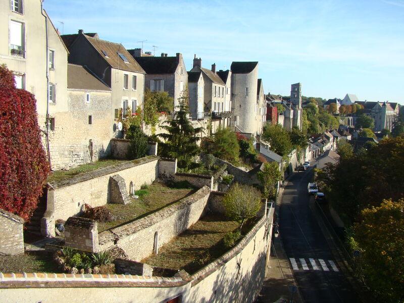 la cité médiévale de Château-Landon
