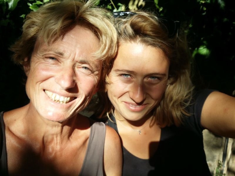Luquettes Vineyard - Elisabeth & Sophie - Elisabeth Lafourcade