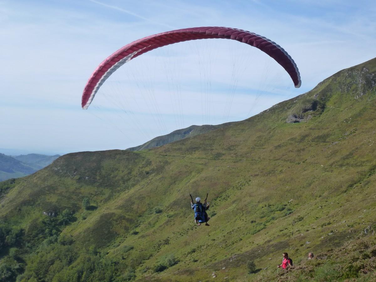 Vol découverte en parapente avec Cantal Air Libre